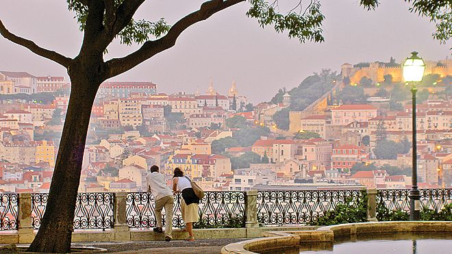 Low Cost Holiday Guide to Portugal