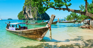 boat_wooden_canoe_local_thailand_beach_holiday_experience2